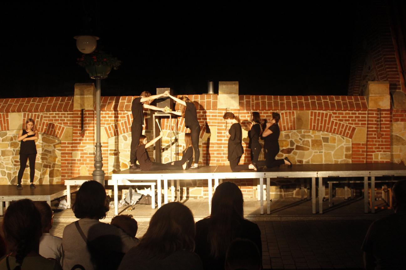Inscenizacja przy murze franciszkanów - Wjazd króla do Krosna(08)