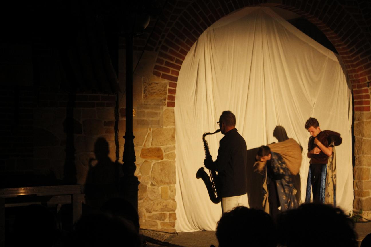 Inscenizacja przy murze franciszkanów - Wjazd króla do Krosna(09)