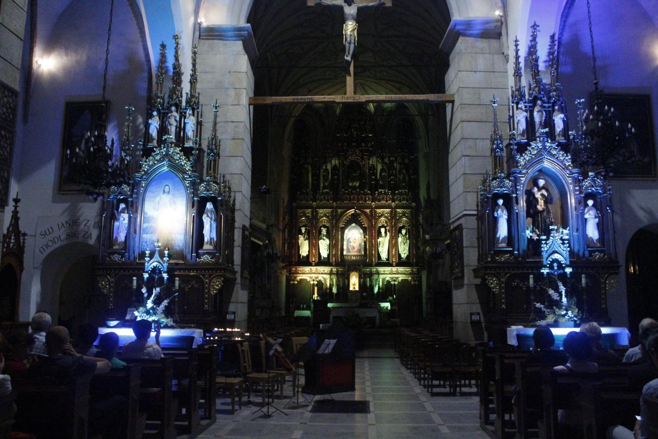 Koncert w kościele - Wjazd króla do Krosna(06)