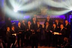 Biblijna Droga Krzyżowa z efektami świetlnymi i pieśniami pasyjnymi-wykonawcy (06)