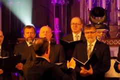Biblijna Droga Krzyżowa z efektami świetlnymi i pieśniami pasyjnymi-wykonawcy (12)