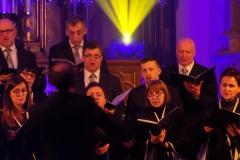 Biblijna Droga Krzyżowa z efektami świetlnymi i pieśniami pasyjnymi-wykonawcy (31)