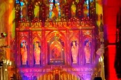Efekty świetlne w czasie Bilijnej Drogi Krzyżowej z koncertem pieśni pasyjnych (06)