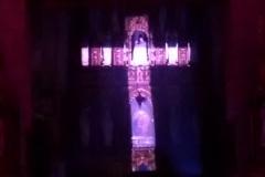 Efekty świetlne w czasie Bilijnej Drogi Krzyżowej z koncertem pieśni pasyjnych (28)