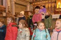 Droga Krzyżowa i Msza Święta z udziałem dzieci z przedszkola sióstr Józefitek (78)