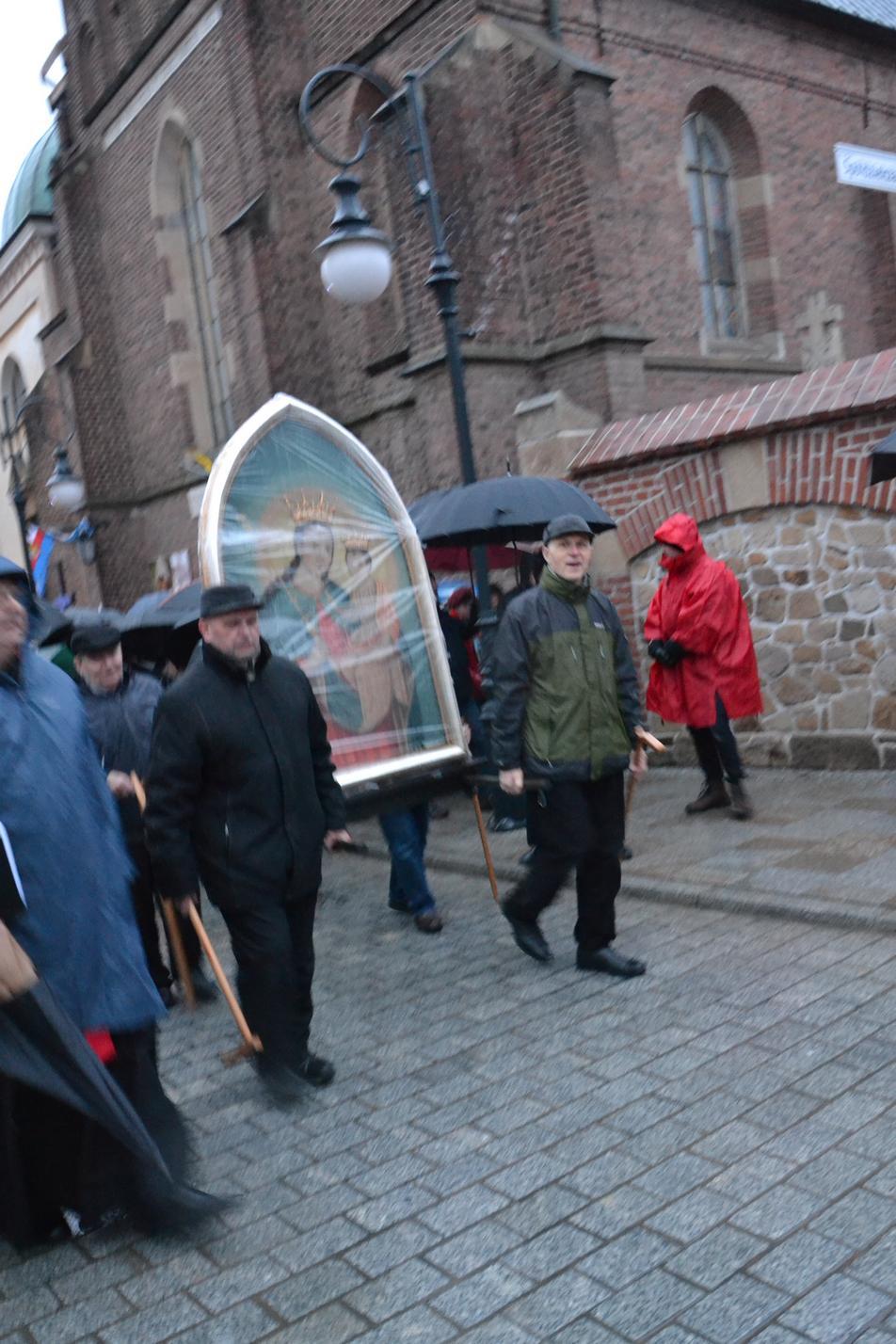 Droga Krzyżowa ulicami Krosna (101)