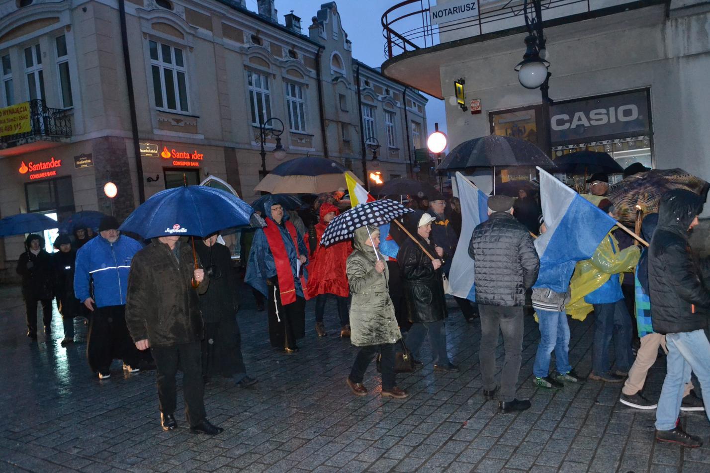 Droga Krzyżowa ulicami Krosna (104)