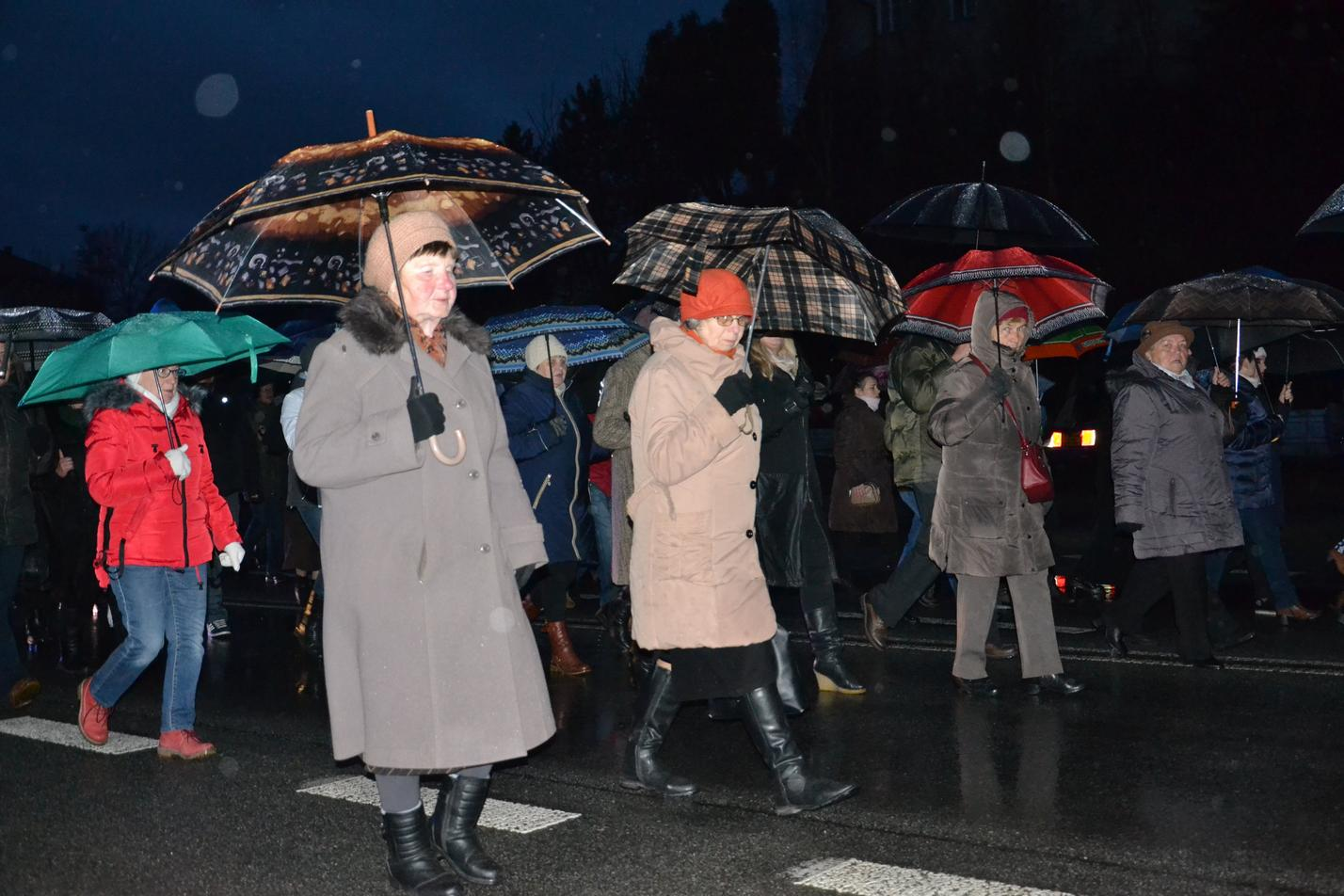 Droga Krzyżowa ulicami Krosna (120)