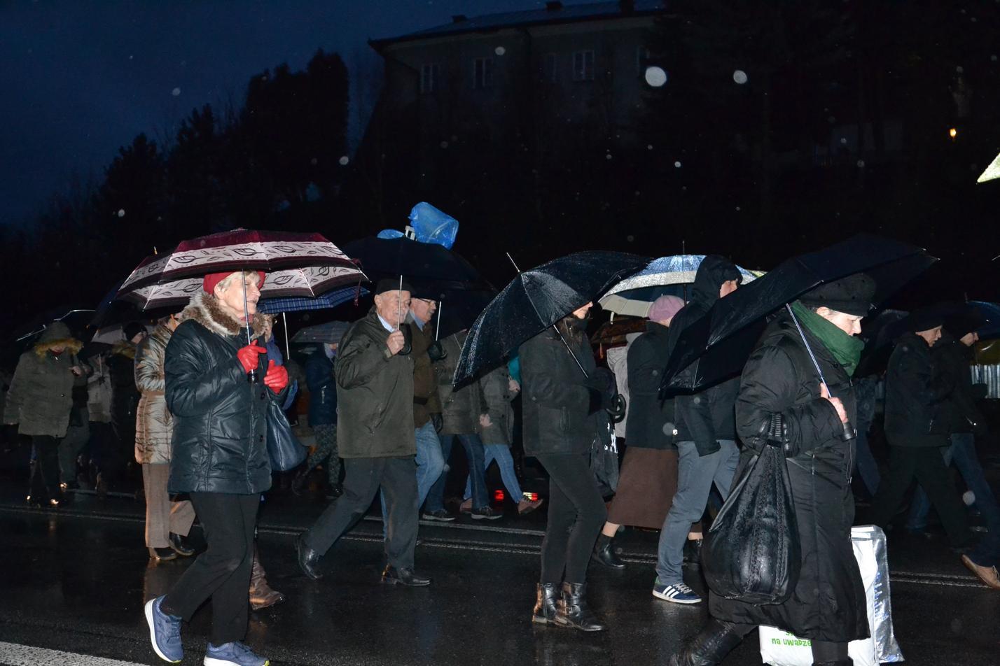 Droga Krzyżowa ulicami Krosna (121)
