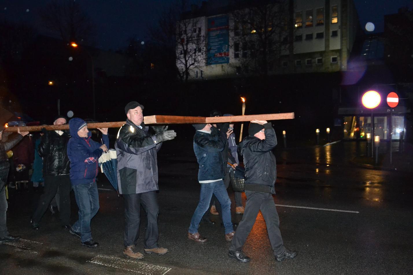 Droga Krzyżowa ulicami Krosna (127)