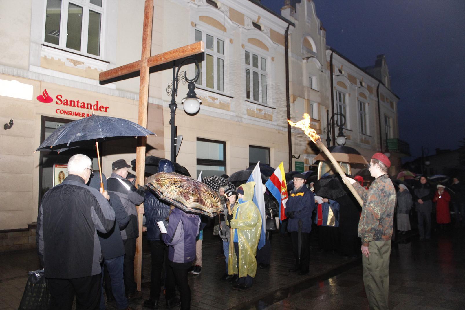 Droga Krzyżowa ulicami Krosna (25)