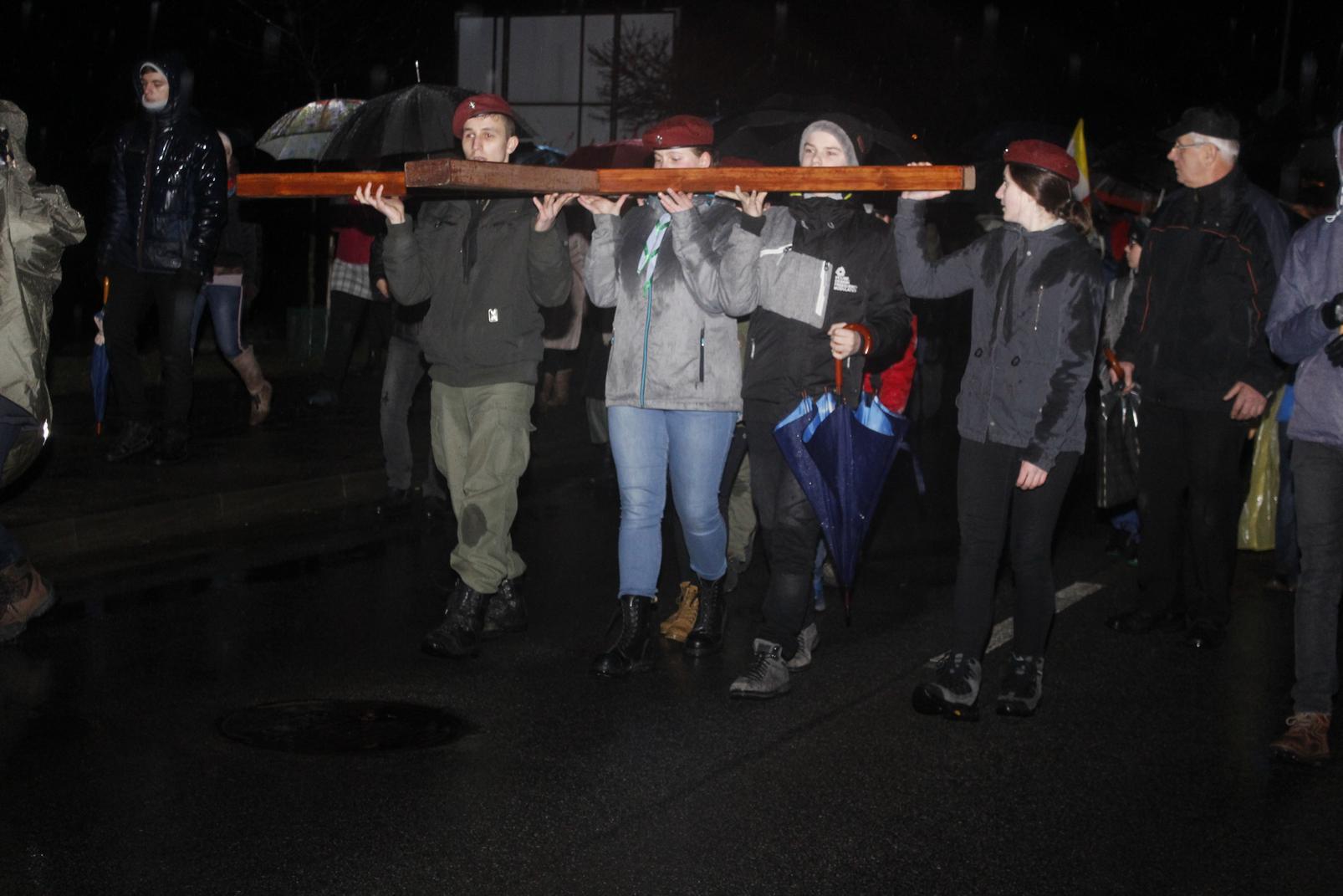 Droga Krzyżowa ulicami Krosna (66)