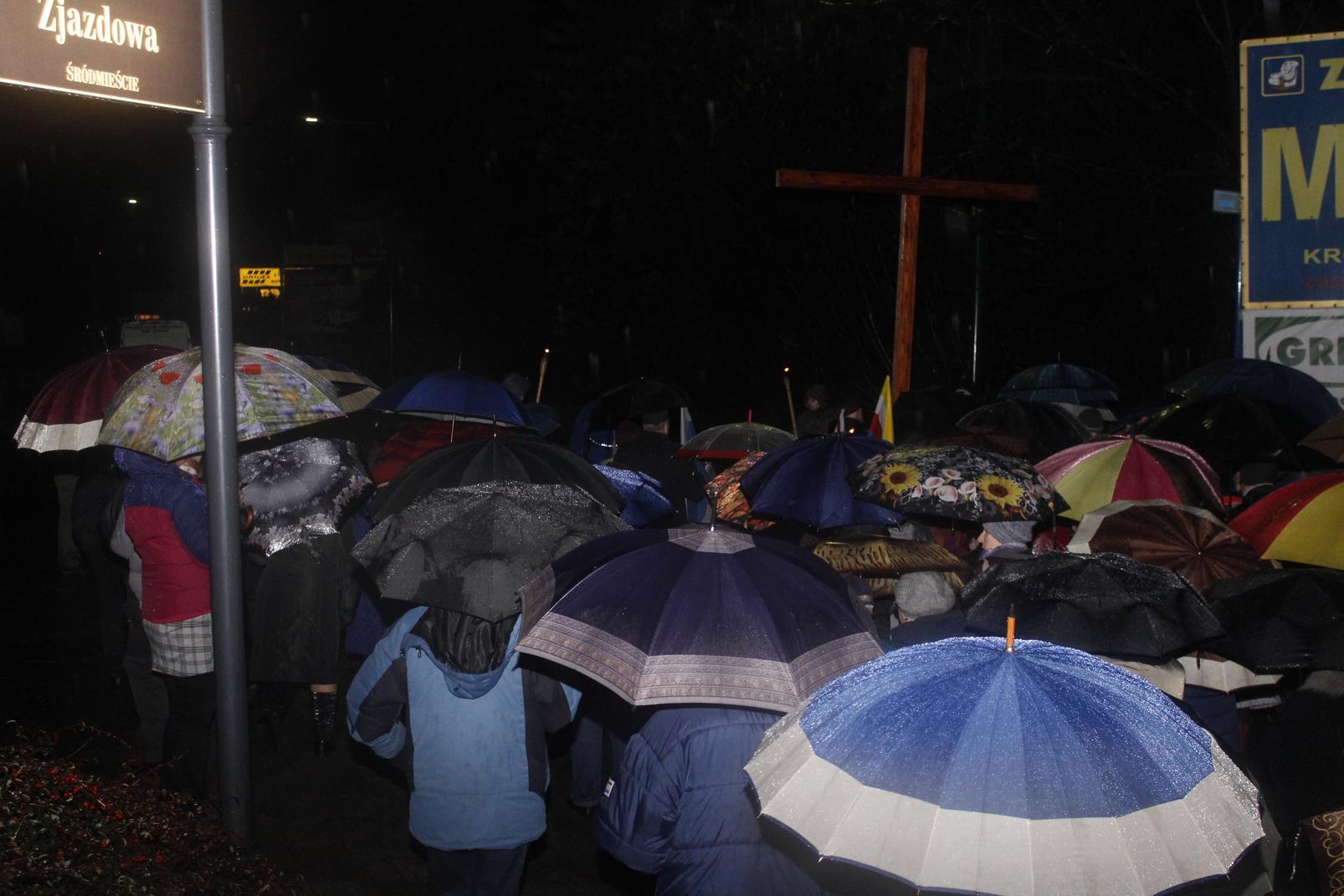 Droga Krzyżowa ulicami Krosna (78)
