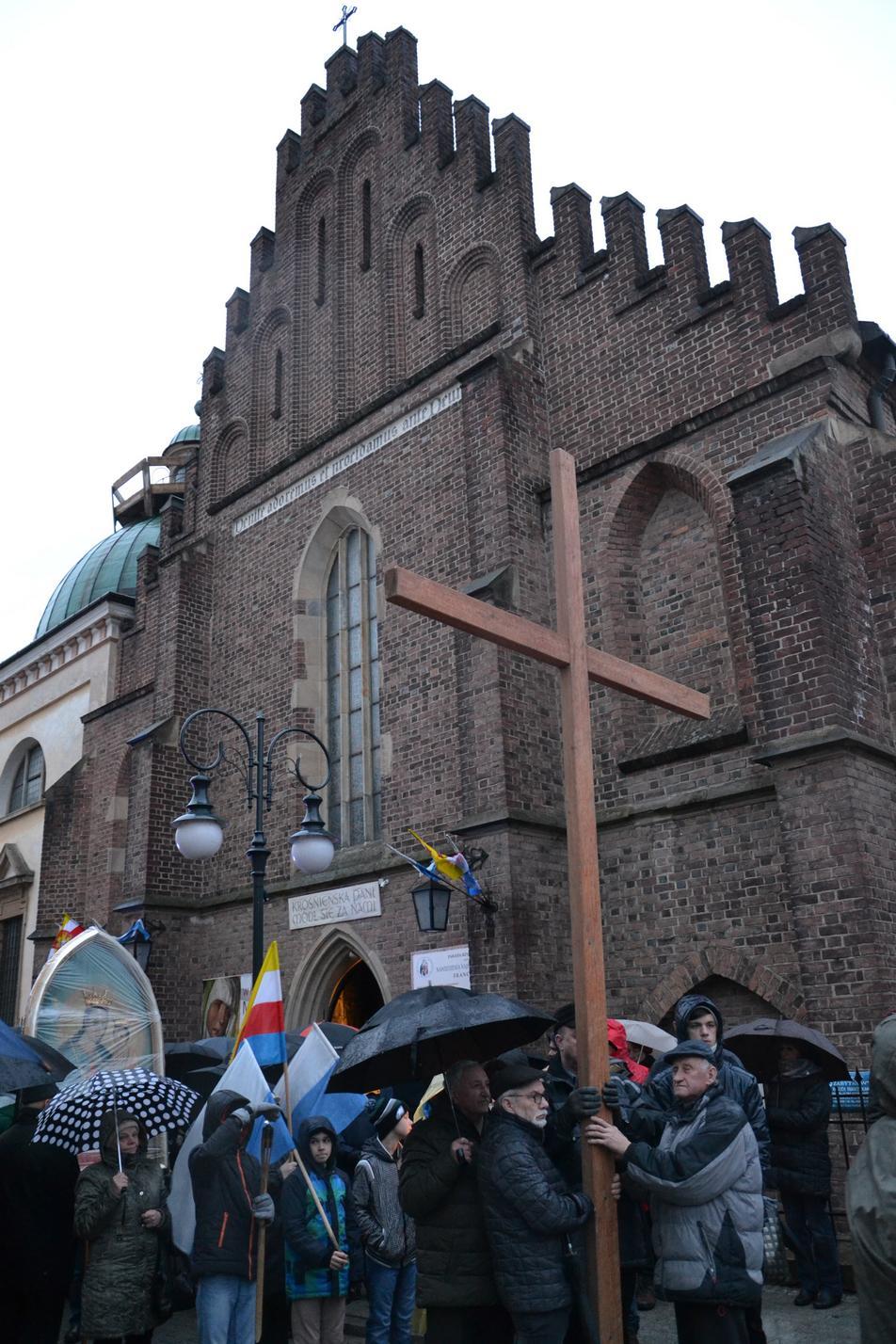 Droga Krzyżowa ulicami Krosna (99)