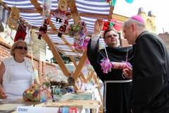 1-Biskup-Stanislaw-i-Ojciec-Krzysztof