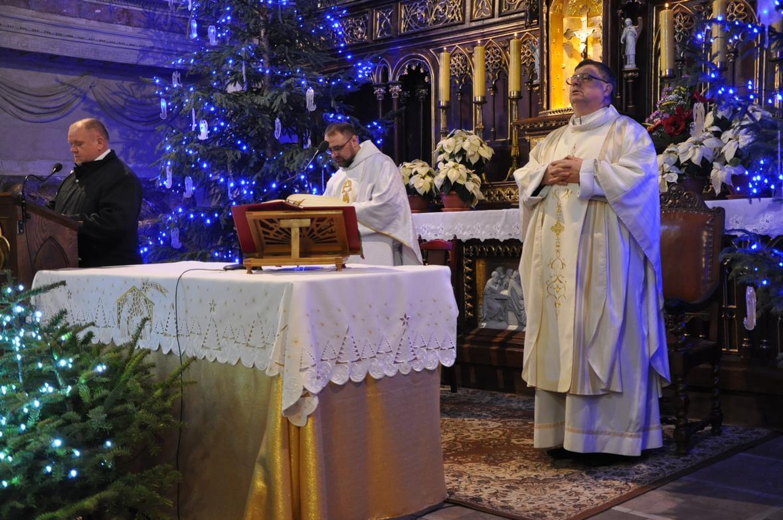 Eucharystia o 12_30 i krótki koncert kolęd chóru Echo (12)