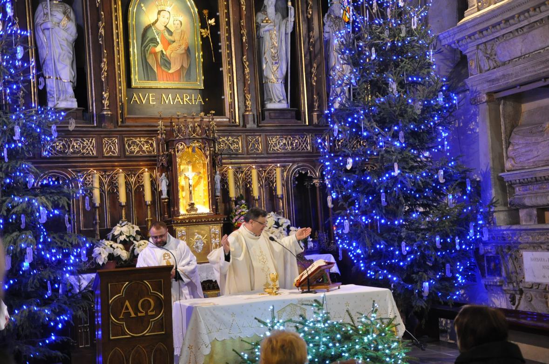 Eucharystia o 12_30 i krótki koncert kolęd chóru Echo (19)