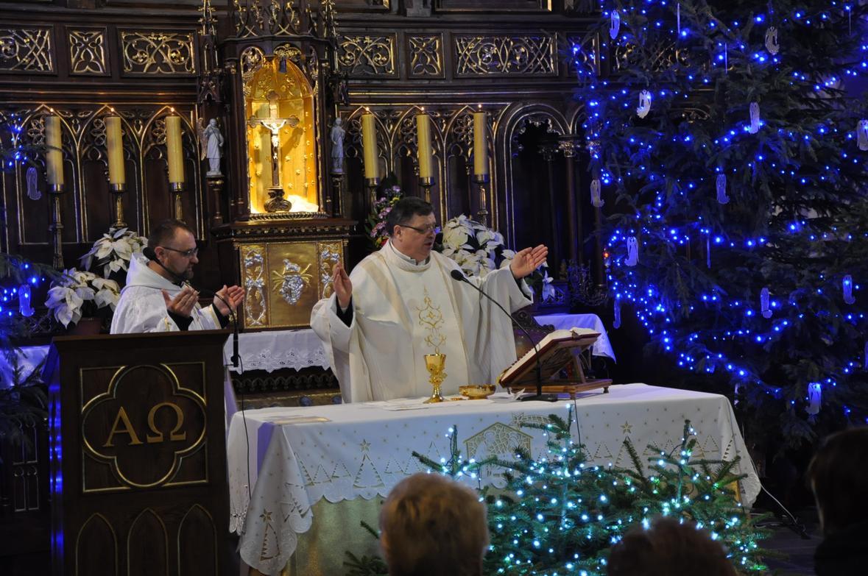 Eucharystia o 12_30 i krótki koncert kolęd chóru Echo (20)