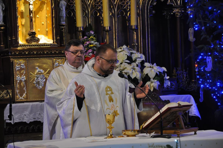 Eucharystia o 12_30 i krótki koncert kolęd chóru Echo (21)