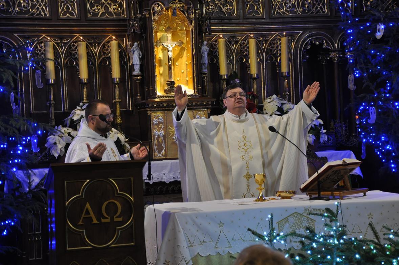 Eucharystia o 12_30 i krótki koncert kolęd chóru Echo (23)