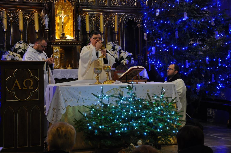 Eucharystia o 12_30 i krótki koncert kolęd chóru Echo (25)
