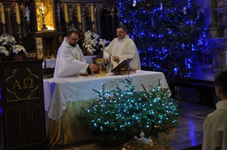 Eucharystia o 12_30 i krótki koncert kolęd chóru Echo (26)