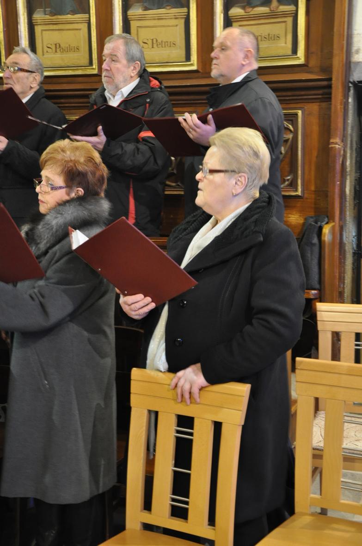 Eucharystia o 12_30 i krótki koncert kolęd chóru Echo (33)