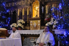 Eucharystia o 12_30 i krótki koncert kolęd chóru Echo (08)