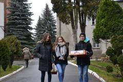 Pierniczki dla Krośnieńskiego Hospicjum - podczas akcji (13)