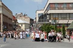 Procesja Bożego Ciała ulicami Krosna (26)