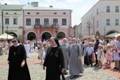 Procesja Bożego Ciała ulicami Krosna (41)