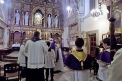 Procesja z modlitwą za zmarłych (1)