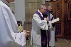 Procesja z modlitwą za zmarłych (5)