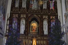 Bożonarodzeniowy wystrój kościoła (07)