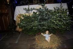 Bożonarodzeniowy wystrój kościoła (08)