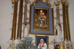 Bożonarodzeniowy wystrój kościoła (11)